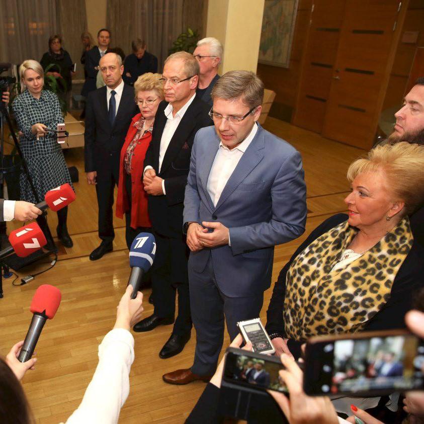 """""""Saskaņas"""" un """"GKR"""" bloks Eiroparlamenta vēlēšanām izvirza Nilu Ušakovu un Andri Ameriku"""
