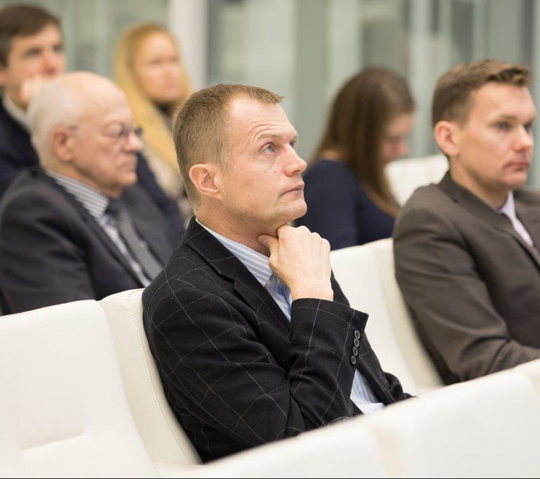 """Saeimas frakcija """"Saskaņa"""" nebalsos par grozījumiem Elektroenerģijas likumā, jo ar tiem tiek gatavots jauns piesegs OIK afērai."""