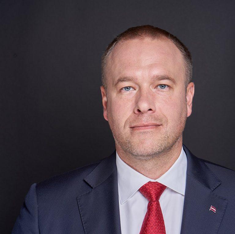 Rīgas domes deputāta kandidāts Guntars Grīnvalds vēršas Ģenerālprokuratūrā ar lūgumu izvērtēt Tērbatas ielā notikušā pasākuma organizēšanas nepieciešamību