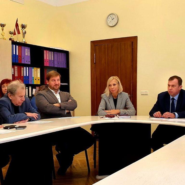 «Saskaņas» frakcija tiekas ar Satversmes tiesas tiesneša amata kandidāti I.Nikuļcevu