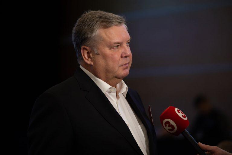 Jānis Urbanovičs: Uzminiet mīklu – kas tas ir: izskatās pēc narcises, bet ož pēc naftalīna?